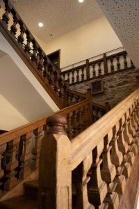 Sainte-Croix-en-Plaine-escalier-mairie