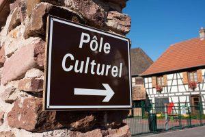 Sainte-Croix-en-Plaine-plaque-pole-culturel