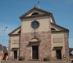 Sainte-Croix-en-Plaine-porte-église